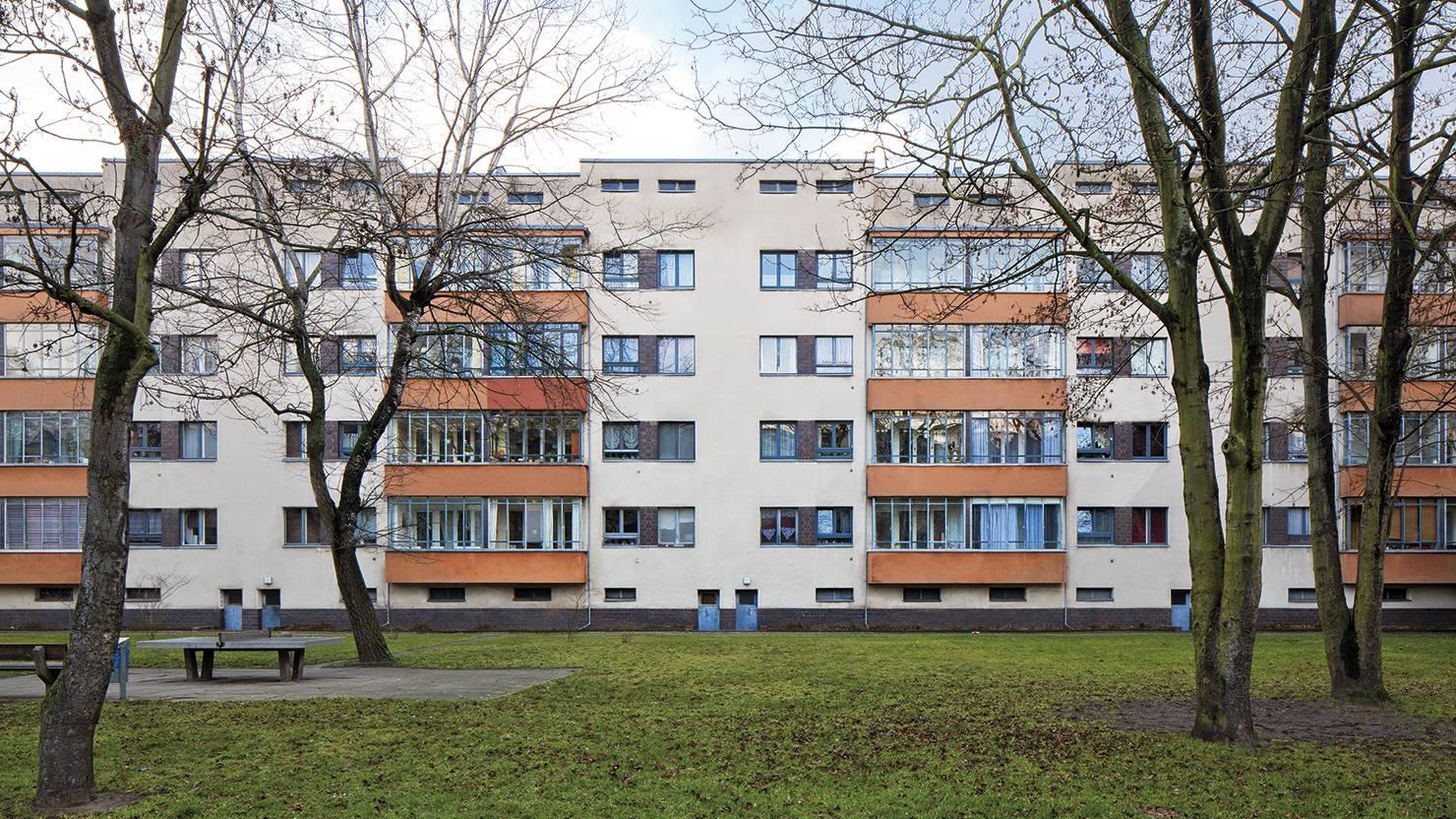 serramenti-acciaio-zincato-siemensstadt-winfried-brenne-3_project_big