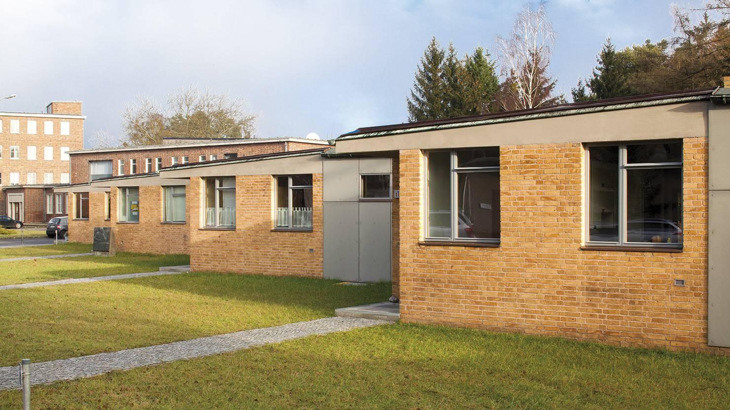 acciaio-zincato-serramenti-scuola-della-federazione-sindacale-seccosistemi-2_project_big