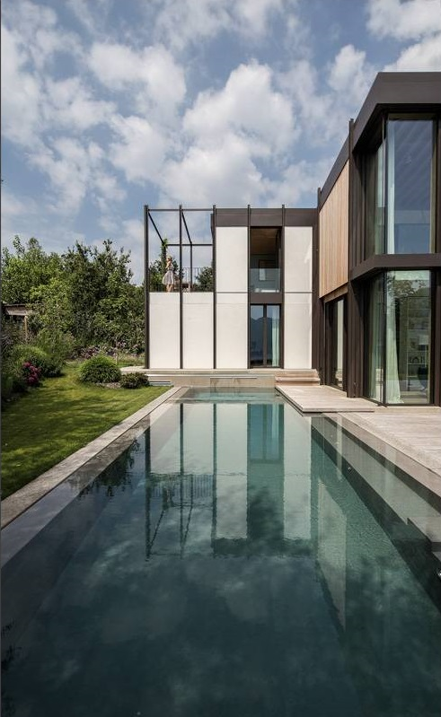 acciaio-zincato-facciata-alzante-scorrevole-villa-sul-lago-seccosistemi-2_project_big