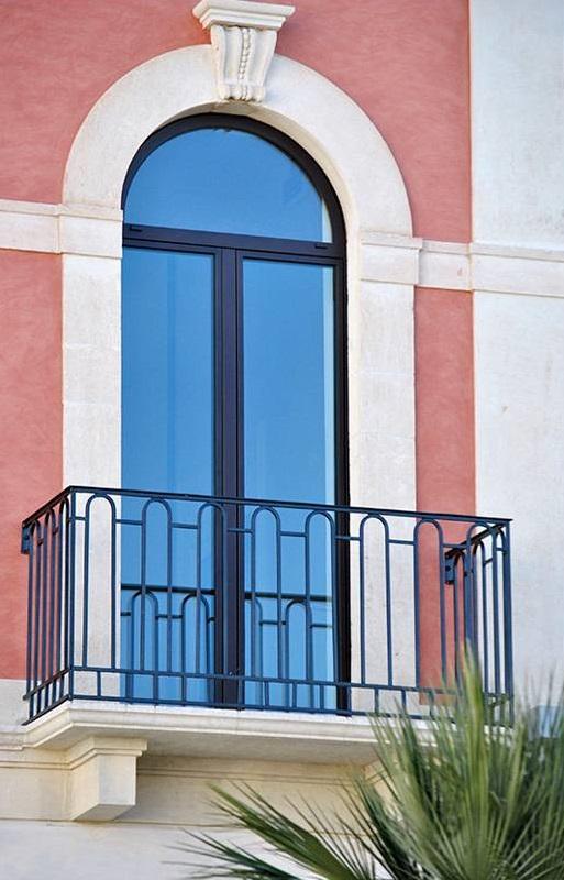 acciaio-zincato-serramenti-giuseppe-gabriele-palazzo-municipale-4_project_big