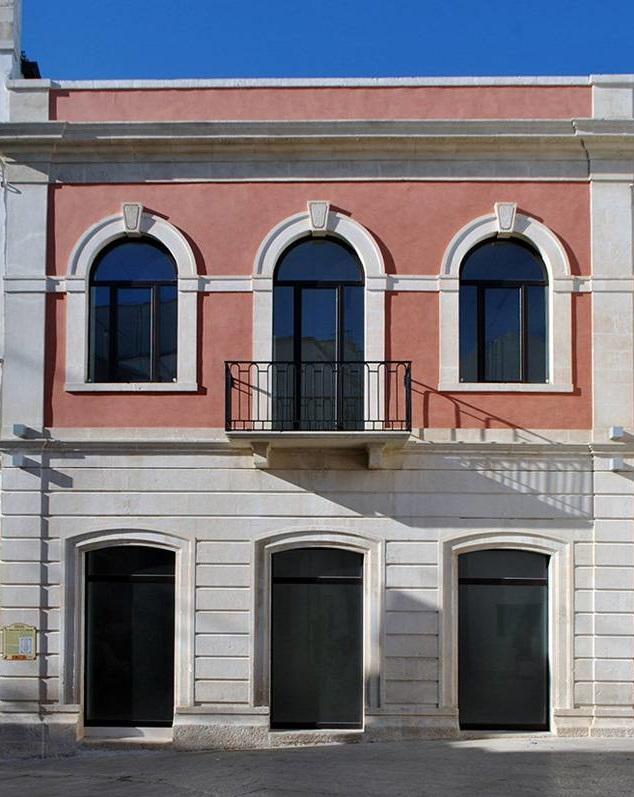 serramenti-acciaio-zincato-palazzo-municipale-giuseppe-gabriele-3_project_big