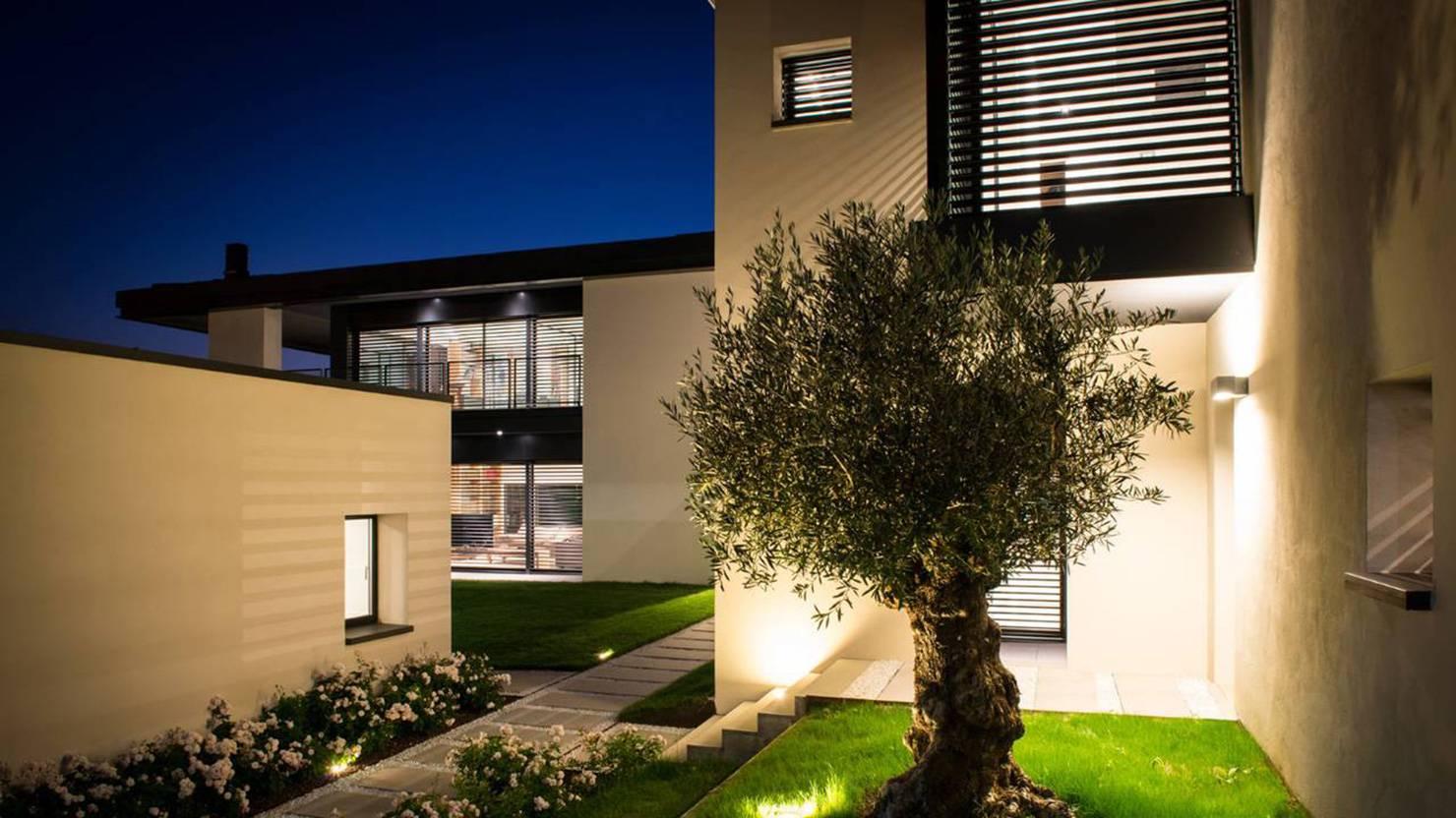 acciaio-zincato-alzante-scorrevole-luca-rutelli-villa-parma-4_project_big