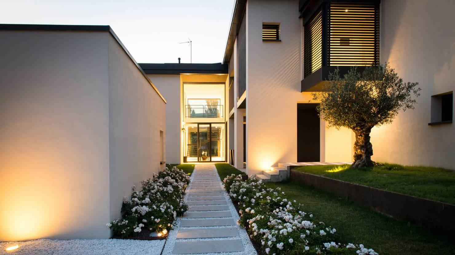 alzante-scorrevole-acciaio-zincato-villa-parma-luca-rutelli-3_project_big